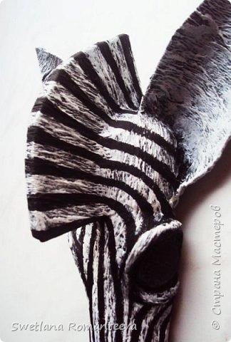 """Здравствуйте! Представляю вам , свою новую работу - маска """"Зебра"""". Для работы нам понадобится: 1). Эскиз будущего изделия; 2). Масса папье-маше http://stranamasterov.ru/node/740837 ; 3). Бумага газетная; 4). Бумажный скотч; 5). Фольга; 6). Серая, однослойная туалетная бумага; 7). Бинт; 8). Бинт; 9). Нождачная бумага; 10). Ножницы; 11). Клей ПВА; 12). Два круглых стёклышек; 13) Картон; 14). Краски акриловые чёрная и белая. 15). Пищевая плёнка """"Стрейч"""". фото 25"""