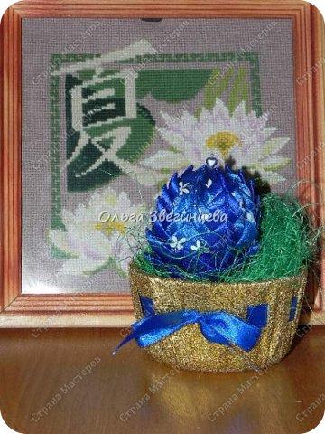 Приветствую всех жителей СМ! в этот раз на праздник Пасхи я сделала яички атласными лентами... фото 6