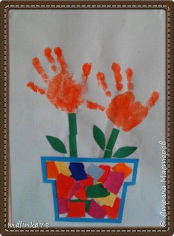 Вот такие милые цветочки из отпечатков ладошек фото 1