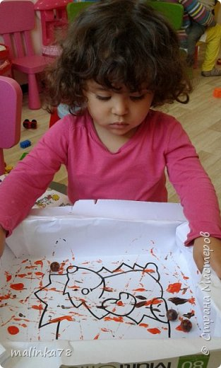 Хочу поделиться одной из нетрадиционных техник рисования, которую мы любим использовать с детками.В этой технике мы раскрасили вот такого ежика. фото 6