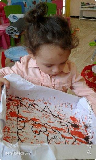 Хочу поделиться одной из нетрадиционных техник рисования, которую мы любим использовать с детками.В этой технике мы раскрасили вот такого ежика. фото 4