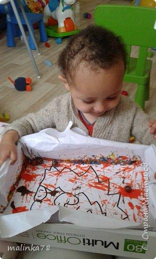 Хочу поделиться одной из нетрадиционных техник рисования, которую мы любим использовать с детками.В этой технике мы раскрасили вот такого ежика. фото 5
