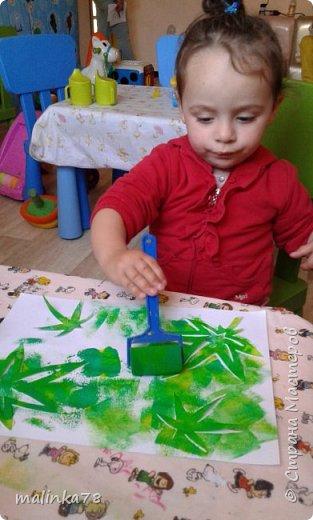 Хочу поделиться одной из нетрадиционных техник рисования, которую мы любим использовать с детками.В этой технике мы раскрасили вот такого ежика. фото 2