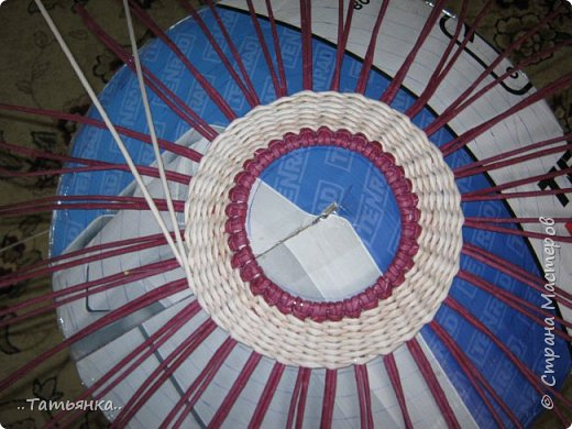 Хочу поделиться своим плетением юрты. Очень здорова пойдёт для оформления подарка ко дню свадьбы. фото 13