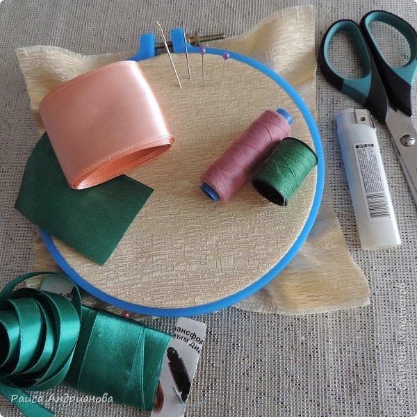 Возможно этот МК пригодится кому-то. Идея сбора лепестков взята из техники канзаши, а чашелистики и венчик додумывала сама . фото 2