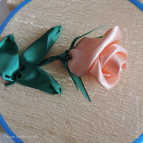 Картина панно рисунок Мастер-класс Вышивка Бутоны роз Вышивка атласными лентами Ленты фото 20
