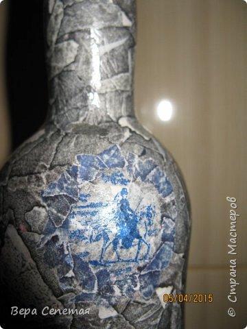Имитация камня на бутылке. Сделана по МК volkhonskaya https://stranamasterov.ru/node/730011?c=favorite. Мотив нужно было выбрать более четкий, но что есть, то есть)). Панно на фото покупалось в магазине.  фото 3
