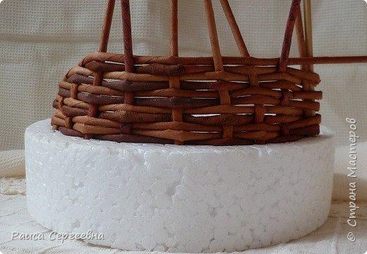 Мастер-класс Плетение Мини МК по плетению Ушастой корзины  Трубочки бумажные фото 9