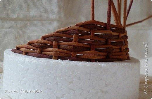 Мастер-класс Плетение Мини МК по плетению Ушастой корзины  Трубочки бумажные фото 10