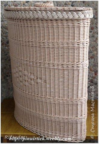 Привет всем!!! Опять у меня несколько работ. Это корзина для белья. Трубочки из газетной бумаги, покрашены колер+грунтовка+вода. Колер опять же смешанные несколько оттенок из остатков, так что, точно цвета и сам не знаю. Размер корзины-высота 60 см, длина стенок 40 см. фото 2