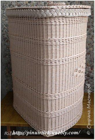 Привет всем!!! Опять у меня несколько работ. Это корзина для белья. Трубочки из газетной бумаги, покрашены колер+грунтовка+вода. Колер опять же смешанные несколько оттенок из остатков, так что, точно цвета и сам не знаю. Размер корзины-высота 60 см, длина стенок 40 см. фото 3