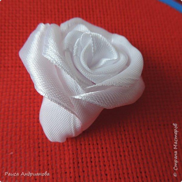 Обещанный МК по созданию объемной розы. Сделала в двух частях, т.к. фотографий много. фото 1