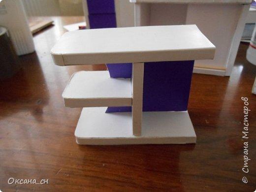 Здравствуйте, жители Страны Мастеров! По вашей просьбе постараюсь выложить МК создания мебели. Как видите, я немножко её приукрасила, добавив горшки с цветами и книги.   фото 38