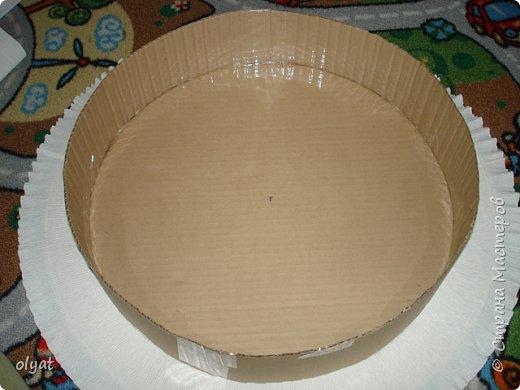 Мастер-класс Свит-дизайн День рождения Моделирование конструирование Торт из сладостей в детский сад Бумага гофрированная Картон гофрированный Клей Скотч фото 5