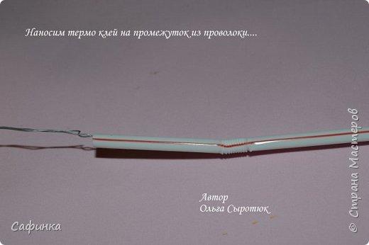 Приветик Всем, мои дорогие ...И снова с Вами, я Ольга Сыротюк...Решила создать продолжение Мк по гербере... Итак, по просьбам моих читательниц, сегодня мы с Вами будем делать стебель с листвой для герберы... В данном Мк вы узнаете... 1.Один из способов ..формирования  стебля.... 2.Научитесь Правильно обрабатывать листья.... 3.Тонировать... 4.Узнаете подробности сборки стебля с листвой герберы... 5.Выкройки шаблонов листа и подклейки прилагаются... И так, вдохновились? Есть желание по творить? Предлагаю присоединится.....  фото 5