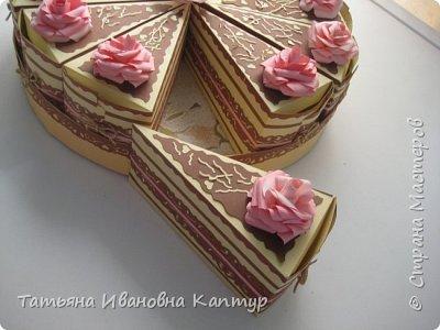 торт состоит из 28 кусочков. поэтому получилось два яруса. фото 3