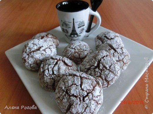 Печенье для любителей шоколада. Очень,очень шоколадное))) По вкусу и виду немного  напоминает  шоколадные прянички. Особенно привлекает простота его приготовления. фото 14
