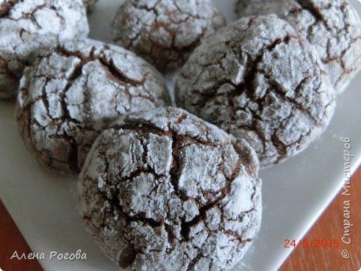 Печенье для любителей шоколада. Очень,очень шоколадное))) По вкусу и виду немного  напоминает  шоколадные прянички. Особенно привлекает простота его приготовления. фото 12