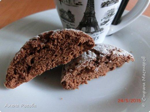 Печенье для любителей шоколада. Очень,очень шоколадное))) По вкусу и виду немного  напоминает  шоколадные прянички. Особенно привлекает простота его приготовления. фото 2