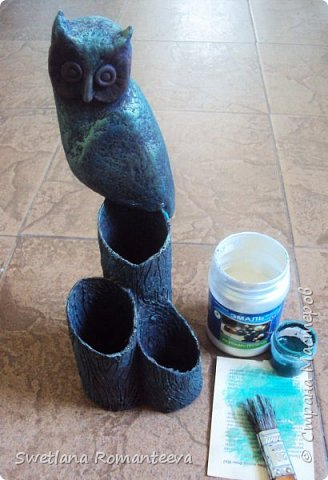 """Здравствуйте! Представляю вам, свою новую работу карандашницу """" Сова"""". Карандашница высотой 28см., сделана в технике папье-маше, в работе использовала пенопласт толщиной 6 см., картонные трубочки от бумажных полотенец и акриловые краски. фото 16"""