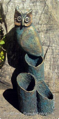 """Здравствуйте! Представляю вам, свою новую работу карандашницу """" Сова"""". Карандашница высотой 28см., сделана в технике папье-маше, в работе использовала пенопласт толщиной 6 см., картонные трубочки от бумажных полотенец и акриловые краски. фото 20"""