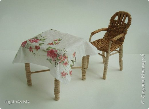 Кукольная жизнь Мастер-класс Плетение Стульчик Трубочки бумажные фото 20