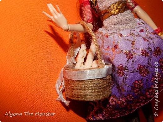 Всем привет! Сегодня я расскажу вам о кукольных корзинке и хлебе. фото 2