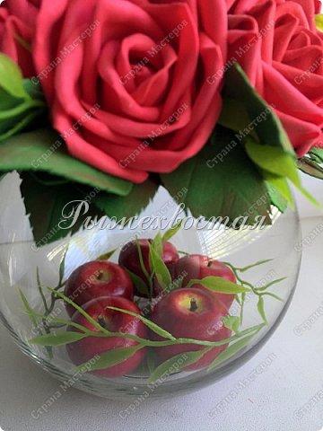 Здравствуйте, дорогие жители страны!!! Показываю свою прошлую работу. Розы были накручены для керамической чашки салатовово цвета, но не прижились в ней. Переселила их в стеклянную вазу и нравится как вышло. фото 3