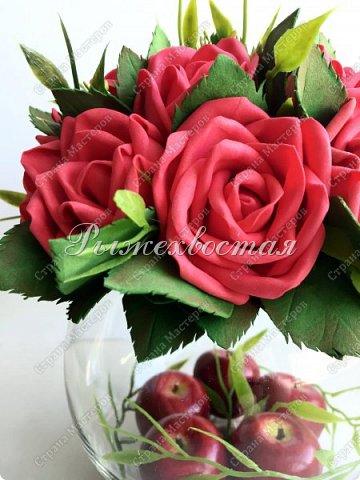 Здравствуйте, дорогие жители страны!!! Показываю свою прошлую работу. Розы были накручены для керамической чашки салатовово цвета, но не прижились в ней. Переселила их в стеклянную вазу и нравится как вышло. фото 4