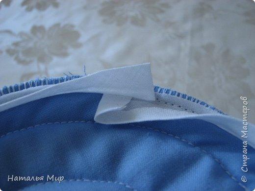 будем шить вот такую сумку, в хозяйстве полезную, для хранения чего-нибудь (на пример клубочков и обрезков ткани) пригодная. И для уличного рукоделия не бесполезная, положил туда нитки, крючки, иголки, клубочки... повесил на руку, и занимайся с детьми гуляя :)) фото 30