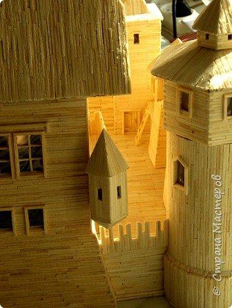 Грузинская церковь -  Дманисский Сиони (VI-VII в.), собор в честь Успения Пресвятой Богородицы на территории древнего городища Дманиси близ с. Патара-Дманиси.  Размер постройки впечатляет: 23х11,5 м. Здесь похоронен грузинский царь Вахтанг III (1298/1302-1308). В XVII в. в портике был похоронен Дманисский епископ Павел. фото 46