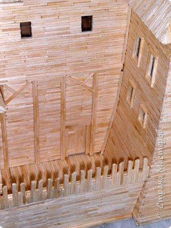 Грузинская церковь -  Дманисский Сиони (VI-VII в.), собор в честь Успения Пресвятой Богородицы на территории древнего городища Дманиси близ с. Патара-Дманиси.  Размер постройки впечатляет: 23х11,5 м. Здесь похоронен грузинский царь Вахтанг III (1298/1302-1308). В XVII в. в портике был похоронен Дманисский епископ Павел. фото 48