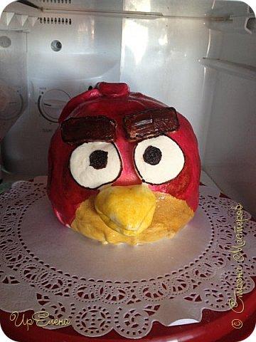 Еще один пример использования формы для торта шар. Внутри бисквит, крем из маскарпоне и вишневый конфитюр для прослойки. Снаружи сахарная мастика. фото 1