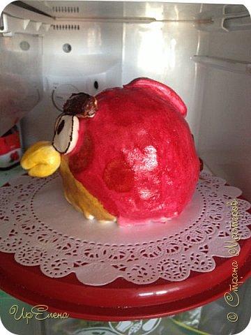 Еще один пример использования формы для торта шар. Внутри бисквит, крем из маскарпоне и вишневый конфитюр для прослойки. Снаружи сахарная мастика. фото 2