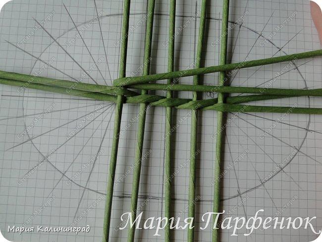 Мастер-класс Поделка изделие Плетение Овальное дно мастер класс Бумага газетная Трубочки бумажные фото 11