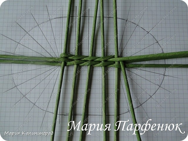 Мастер-класс Поделка изделие Плетение Овальное дно мастер класс Бумага газетная Трубочки бумажные фото 14