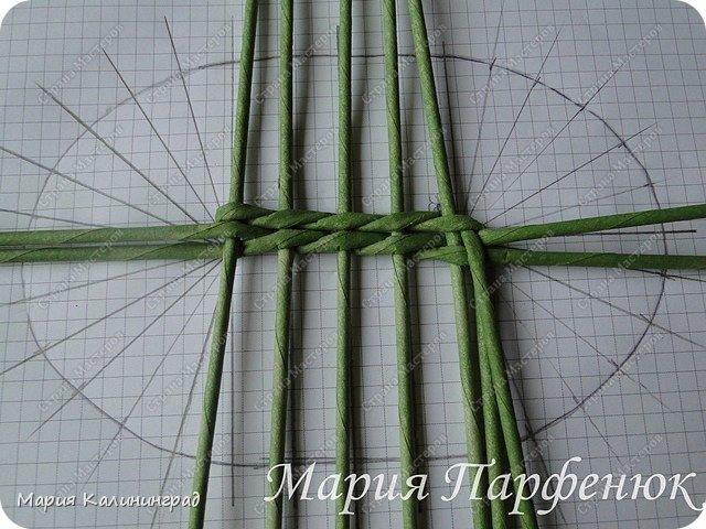 Мастер-класс Поделка изделие Плетение Овальное дно мастер класс Бумага газетная Трубочки бумажные фото 15