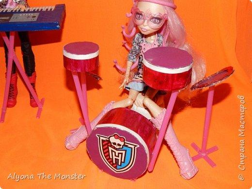 """Всем привет! Сегодня я сдаю работу на конкурс """"Увлечение моей куклы"""". Мои куклы играют в музыкальной группе. фото 2"""
