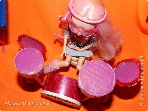 """Всем привет! Сегодня я сдаю работу на конкурс """"Увлечение моей куклы"""". Мои куклы играют в музыкальной группе. фото 3"""
