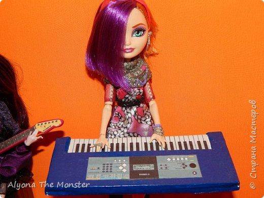 """Всем привет! Сегодня я сдаю работу на конкурс """"Увлечение моей куклы"""". Мои куклы играют в музыкальной группе. фото 4"""