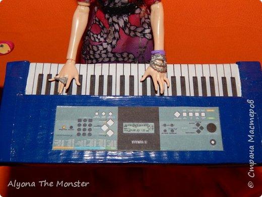 """Всем привет! Сегодня я сдаю работу на конкурс """"Увлечение моей куклы"""". Мои куклы играют в музыкальной группе. фото 5"""