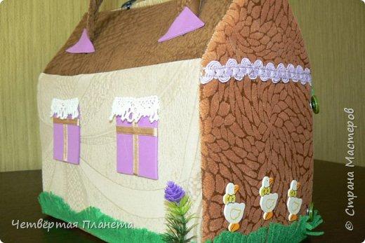 Попросила младшая дочка сделать домик для котёнка Мурзика...Вот сегодня, в дождливый день, мы этим и занялись. фото 4