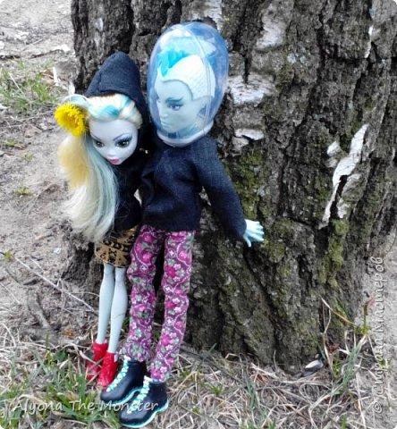 Всем привет! Ещё весной я с Лагуной и Гилом устроила весеннюю фотосессию. Здесь они стоят около дерева. фото 1