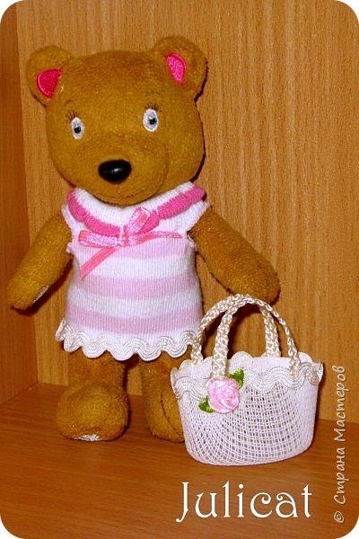 Приветствую Вас, дорогие жители и гости Страны Мастеров! Сегодня покажу вам небольшой и не сложный МК летней кукольной сумочки, или в моем случае  - сумочки для Мишутки Даринки (кто еще не знаком с ней, прошу посетить предыдущие мои темы про кукольный домик для Мишутки).  Идея родилась спонтанно, после случайной встречи на просторах инета с вот такой кукольной корзинкой для малыша http://www.liveinternet.ru/users/dred12/post235826079.  фото 18