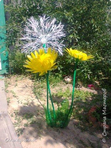 И снова я! Хочу показать вам свой одуванчик. Увидела я его у Галины Котовой в одноклассниках и просто влюбилась в этот цветочек!!!! и вот я его сделала! не такой красивый как у нее, но мне тоже нравится! В процессе не всегда вспоминала фоткать, но опишу словами. фото 3