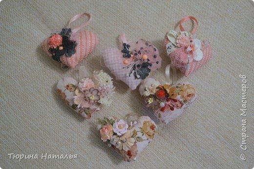 А вот и мои старенькие валентиночки в виде игольниц. сзади в свитке можно написать признание или поздравление.