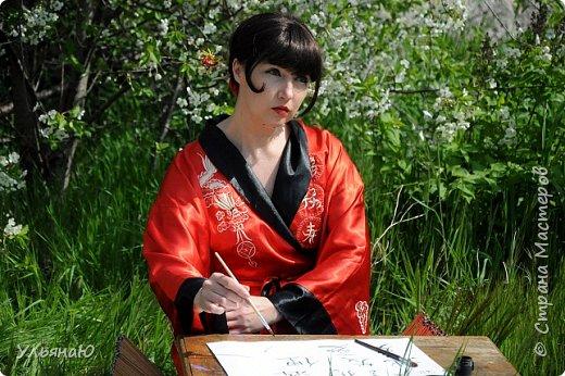 """Всем прекрасного настроения, СТРАНА!!! Продолжая серию """"Костюмы и образы своими руками или занятие для души"""" представляю вам новый образ - Китайская народная культура. Этот образ я придумала для своей сестрички Ксюши. Сначала хотела фотосет устроить в персиковом саду, но как всегда - то дождь, то все заняты, а ехать на машине 2 часа. Поэтому решили найти, что-то поближе и вот в 5 ти минутах ходьбы от дома цветущая вишня - тоже, красавица. фото 6"""