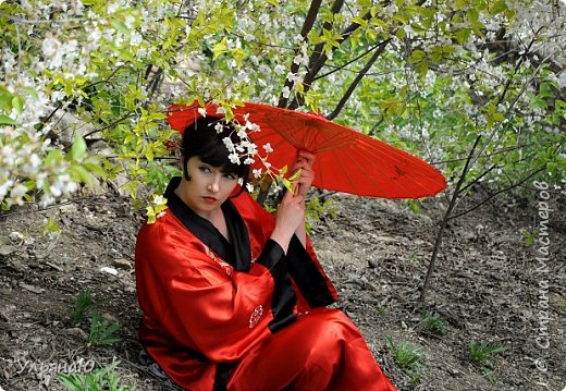 """Всем прекрасного настроения, СТРАНА!!! Продолжая серию """"Костюмы и образы своими руками или занятие для души"""" представляю вам новый образ - Китайская народная культура. Этот образ я придумала для своей сестрички Ксюши. Сначала хотела фотосет устроить в персиковом саду, но как всегда - то дождь, то все заняты, а ехать на машине 2 часа. Поэтому решили найти, что-то поближе и вот в 5 ти минутах ходьбы от дома цветущая вишня - тоже, красавица. фото 15"""
