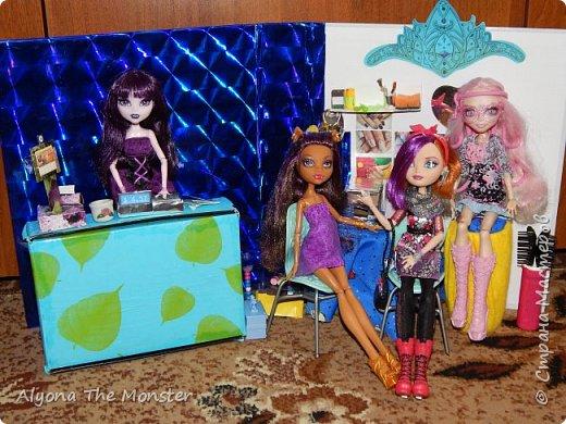 """Всем привет! Сегодня я сдаю работу на конкурс """"День кукольной красоты"""". Конечно, я не выиграю, но мне интересно принять участие! *** Недавно я сделала кукольный салон красоты. В последнее время многие делают домики - трансформеры, складные домики. И я в их числе. фото 6"""