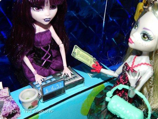 """Всем привет! Сегодня я сдаю работу на конкурс """"День кукольной красоты"""". Конечно, я не выиграю, но мне интересно принять участие! *** Недавно я сделала кукольный салон красоты. В последнее время многие делают домики - трансформеры, складные домики. И я в их числе. фото 18"""